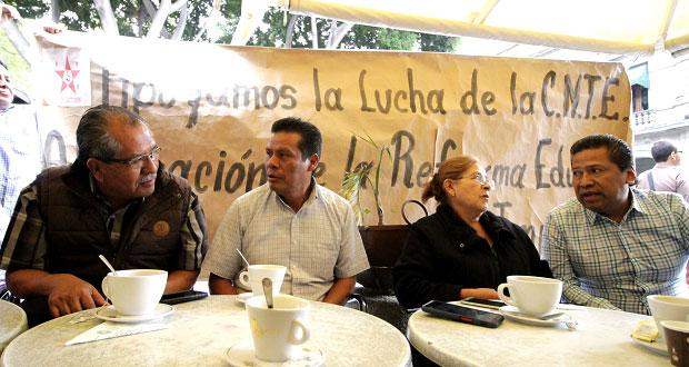 CNTE en Puebla busca reinstalación de cesados en gobierno de EPN