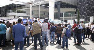 Clausuran simbólicamente Agua de Puebla para exigir desprivatización
