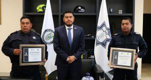 Dan reconocimiento a policías estatales por labor social