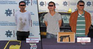 Detienen a tres en Puebla capital por robo a transeúnte