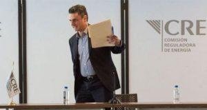 Guillermo García renuncia como comisionado presidente de CRE