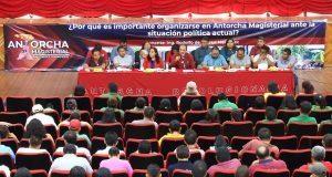 Imparten conferencia a los docentes de escuelas en Acatlán