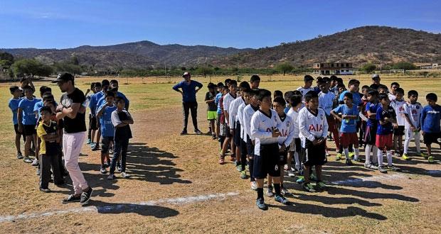 Impulsa Antorcha el deporte en Huehuetlán El Grande