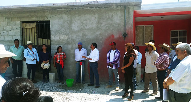 Inauguran ampliación de red de agua potable en colonia de Atexcal