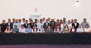 Barbosa exhorta a ediles impulsar gobiernos apegados a principios de 4T