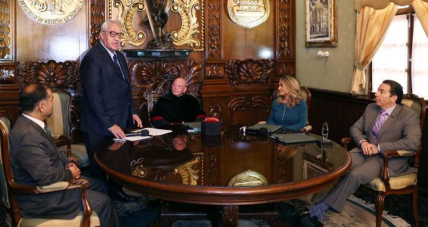 Pacheco convoca a abogados poblanos a sumarse a los retos jurídicos