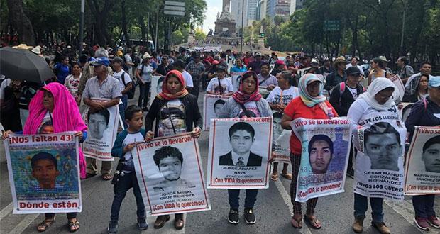 Padres de normalistas exigen a FGR fiscal especial para Ayotzinapa