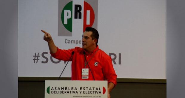 Gobernador de Campeche recibe licencia para contender por CEN de PRI