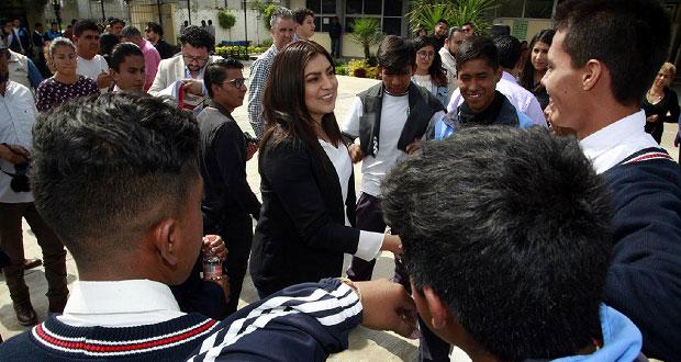Rivera revisa construcción de aulas y comedores en seis escuelas