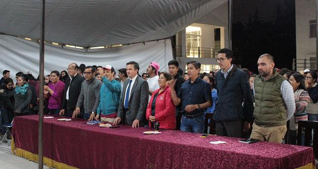 SEP entrega mobiliario a casas del estudiante de Fnerrr en Puebla