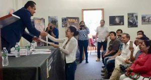 SGG entrega documentos oficiales a 40 poblanos que viven en EU