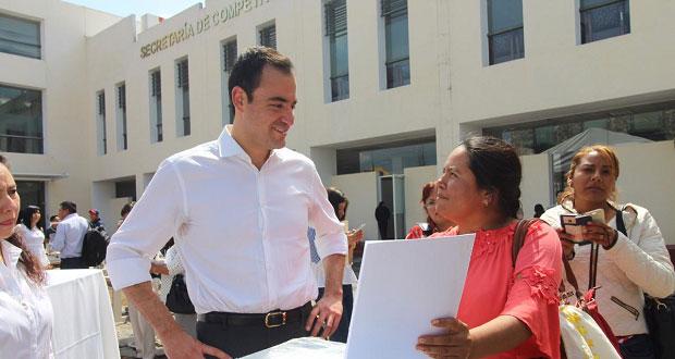 Secotrade entrega equipo a 46 beneficiarios para fomentar autoempleo