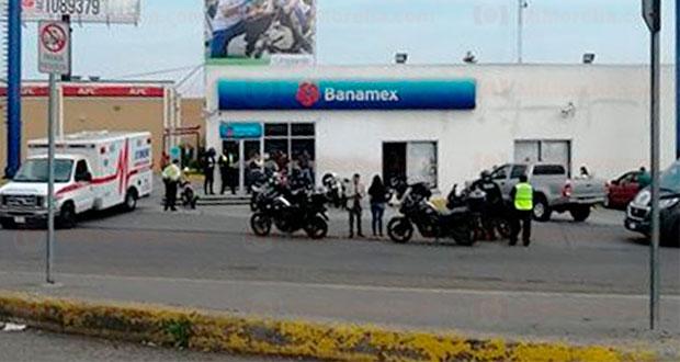 Sujetos armados asaltan banco en Michoacán y se llevan 1 mdp