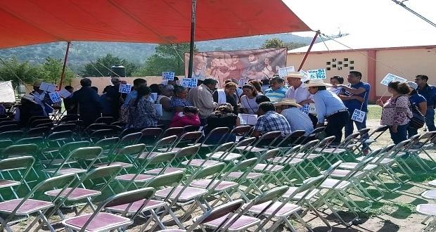 Opositores protestan a 2 días de la reunión sobre proyecto de Ixtacamaxtitlán
