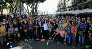 Ayuntamiento de Puebla y vecinos realizan limpieza del Centro Histórico
