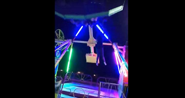 En video, captan peligrosa caída de mujer de juego mecánico en feria