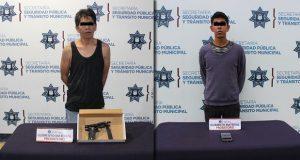 Detienen a dos por asalto y a uno por robo a comercio en Puebla