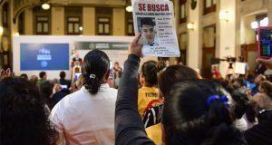 Con gritos y lágrimas, exigen a AMLO resultados ante desapariciones