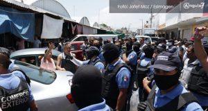 Autoridades de los tres niveles realizan operativo en mercado La Acocota