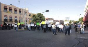 Sindicalizados del ayuntamiento protestan y exigen reinstalación