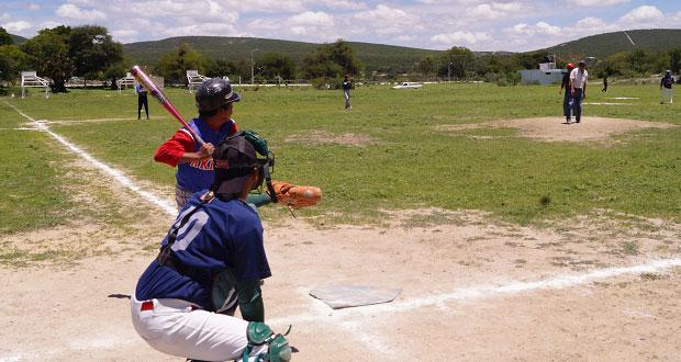 Atexcal fomenta práctica del béisbol con liga municipal y torneo