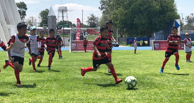 Audi México realiza campamento de fútbol para 120 niños