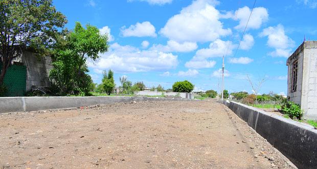 Avanzan pavimentación en dos calles de Ahuatempan