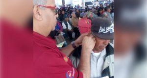 Ayuntamiento de Tepexi entrega aparatos auditivos a habitantes