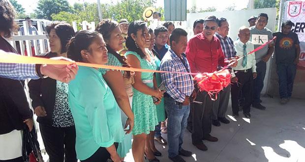 Comuna de Ixcaquixtla inaugura cercado perimetral de preescolar