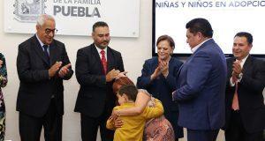 DIF integra a cuatro menores de edad a familias adoptivas