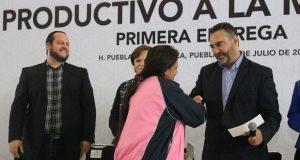 DIF otorga créditos a 4,617 poblanas de 131 municipios