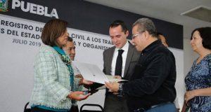 Entrega SGG 1,128 actas de registro civil a trabajadores