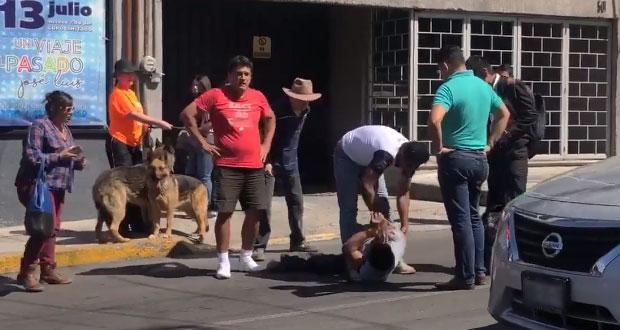 Retienen a hombre por robar en la ciclovía de la avenida Juárez