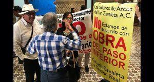 Vecinos de Zavaleta protestan en Congreso contra puente deprimido