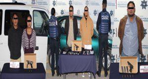 Detienen a cinco por portación de arma ilegal en Puebla capital