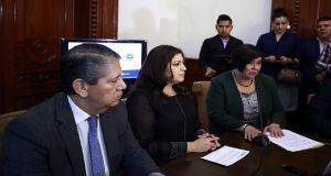 """Comuna vigilará que se aplique """"el peso de la ley"""" a policía acusado de violar"""