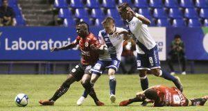 Club Puebla arranca con pie izquierdo; cae ante Tijuana
