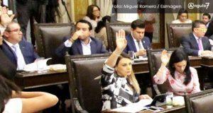 PAN analiza sancionar a diputados por no votar en contra de reforma de Barbosa
