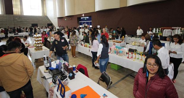 """En encuentro, impulsan a 150 emprendedores de """"Yo compro poblano"""""""