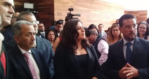 Una escolta de Rivera agrede a reportera en entrevista a medios: periodistas