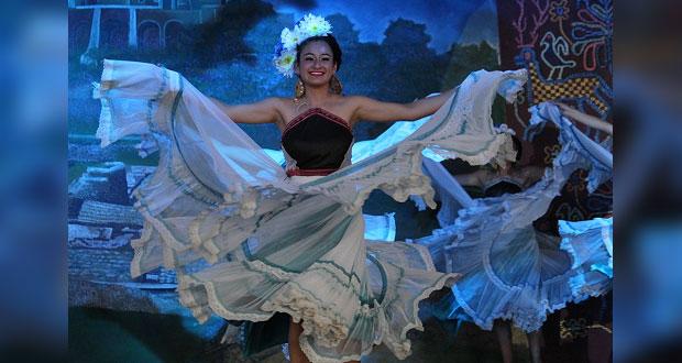 Con evento artístico, se gradúan alumnos de CBTA de Zacapoaxtla
