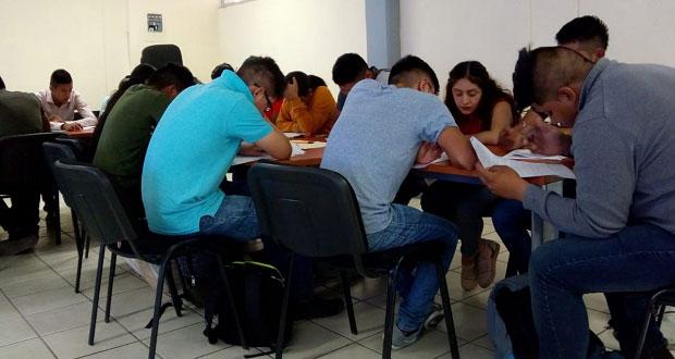 Participan más de 50 aspirantes en último examen de admisión de ITT