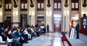 Un expresidente de México le debe impuestos al SAT, revela AMLO