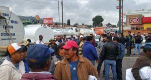 Cierran la federal a Tehuacán para exigir renuncia de alcalde de Amozoc