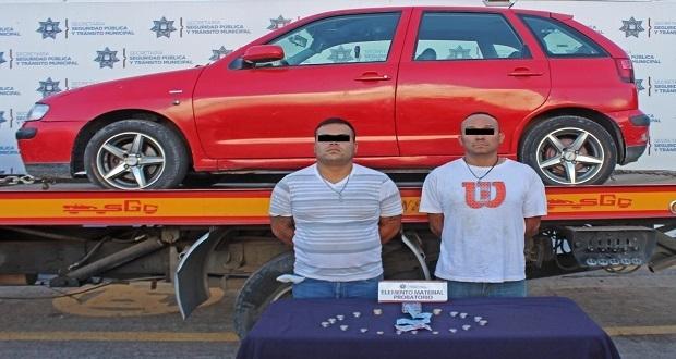 Detienen a dos por robar a chofer de la ruta 33 en Puebla capital