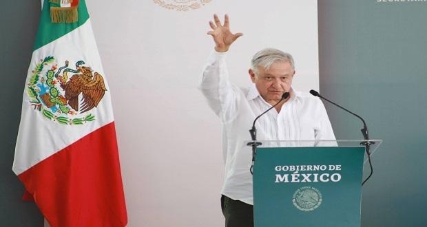 """""""Bandera blanca"""" en presidencia al quitar corrupción, dice AMLO en Puebla"""