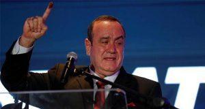 Alejandro Giammattei gana elecciones presidenciales en Guatemala
