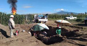 Buscan cortar flujo de gas LP para sellar fuga en Acajete