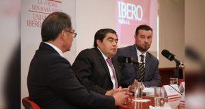 En la Ibero, Barbosa pide una sociedad más activa