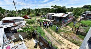 Familia tabasqueña cava un pozo de agua y encuentra petróleo